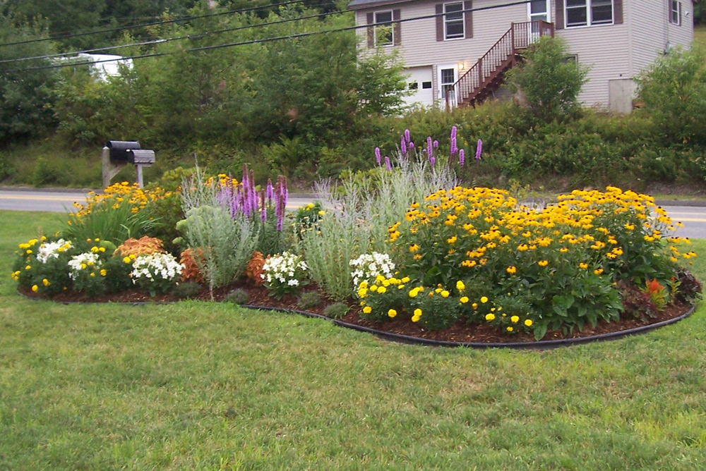 Residential landscape design simple by nature landscape for Outdoor flower garden design
